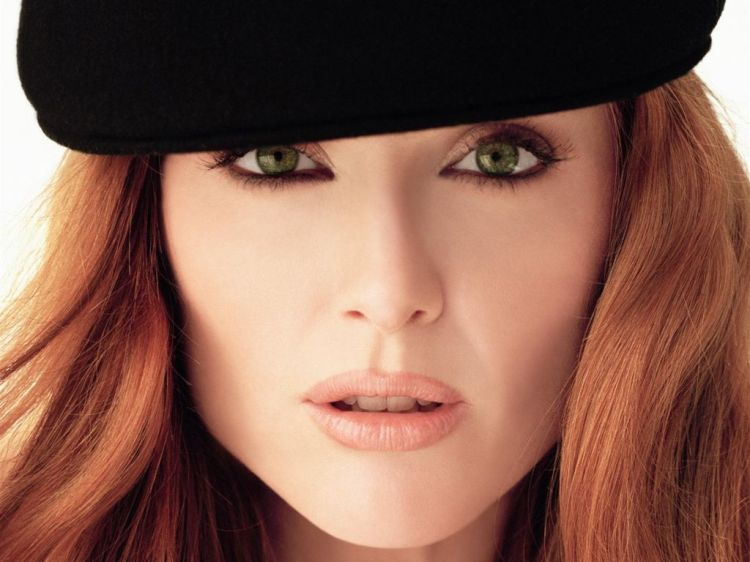 julianne-moore-green-eyes